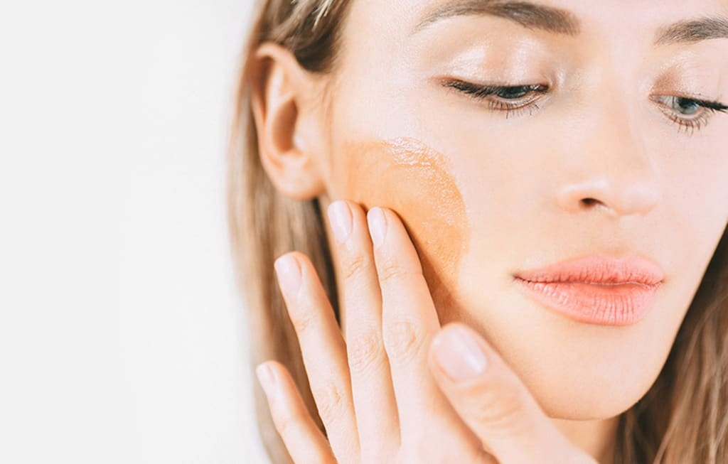 How to Use Fake Tan on Acne-Prone Skin